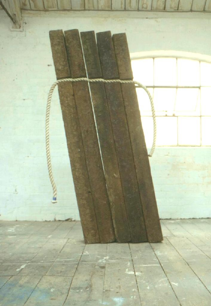 Stephen Rowley, Cleat. 1998 Railway sleepers, rope.